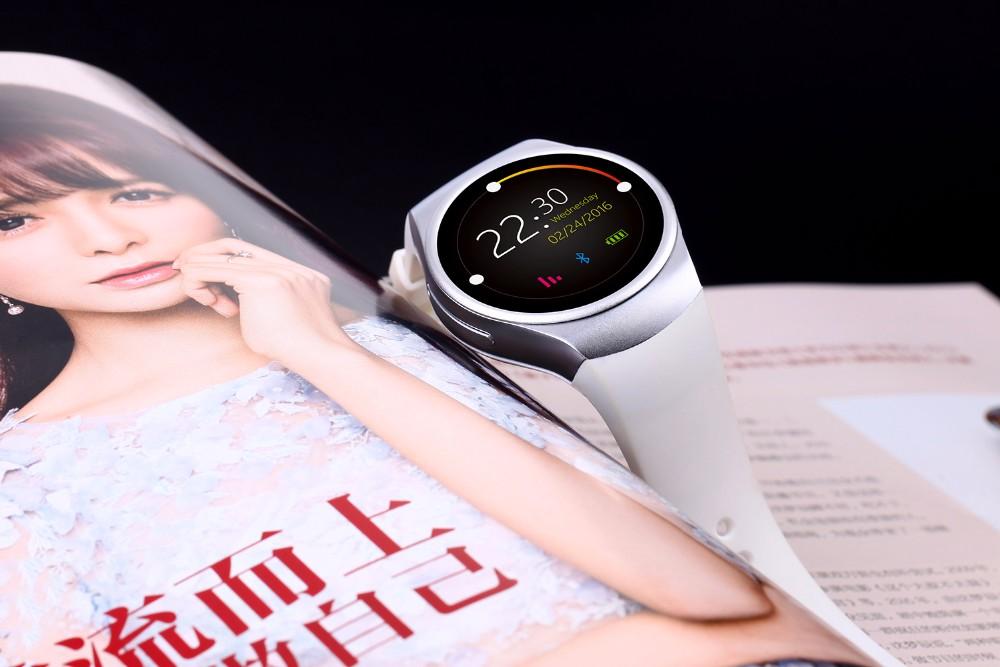 ถูก สมาร์ทดูต้นฉบับโทรศัพท์KW18 MTK2502C S Mart W Atch 1.3นิ้วIPS H Eart Rate Monitorสำหรับแอปเปิ้ลหรือAndroidโทรศัพท์