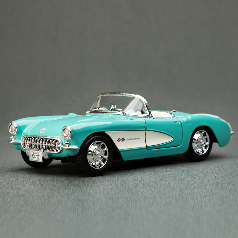 MAISTO 1/24 Scale Vintage Car Model Toys 1957 Chevrolet Corvette Convertible Diecast Metal Car Model Toy New In Box For Gift(China (Mainland))