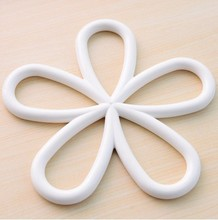 0627 quality plum-shaped anti-scald skid PVC insulation pad table pad pot mat coasters dishes 90g
