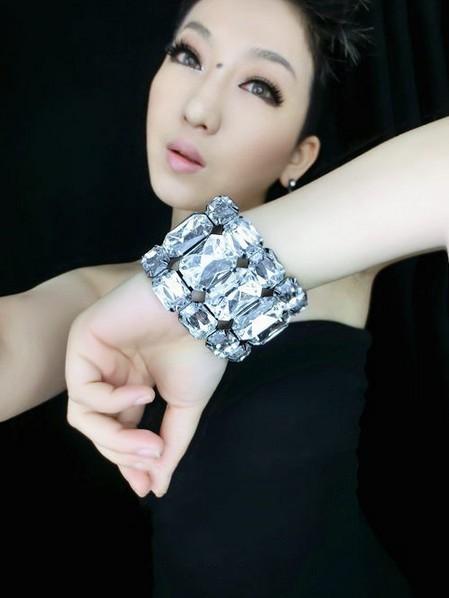 Min Order $18(Can Mix Item) Fashion hyperbole shiny imitation crystal stretch wide bracelet