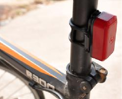 Mini bicycle light global positioning system T630B real time positioning tracking vehicle(China (Mainland))