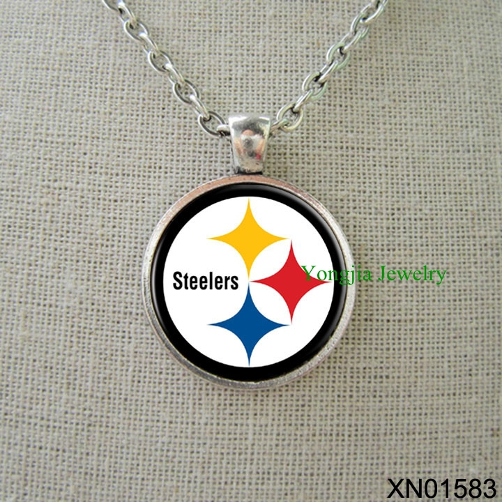 Free shipping Pittsburgh Steelers pendant necklace with antique silver chain football jewelry(China (Mainland))