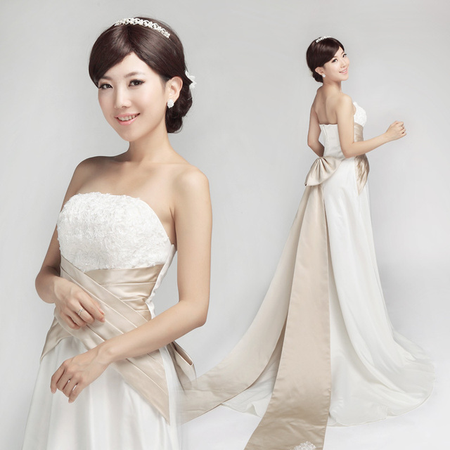 H13002 exquisite bow decoration tube top the bride wedding dress