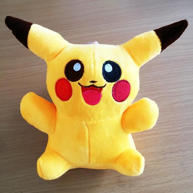 Горячие Продажи Мило 20 см Пикачу Плюшевые Игрушки для Детей дети Подарок Бесплатную Доставку