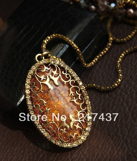 Min order $10 A0175 Free Shopping Beautiful The European and American style amber hollow necklaces 1pcs/lot(China (Mainland))