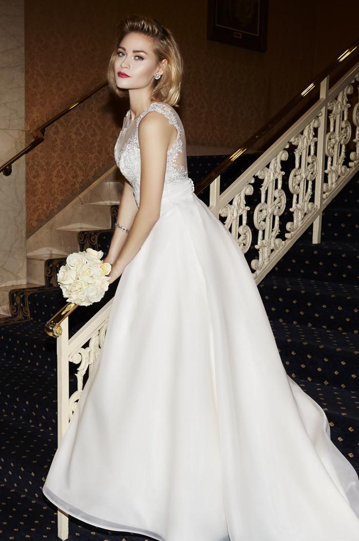 Abiti da sposa bridal gowns organza scalloped sweep train for Wedding dresses no train