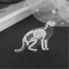 Scheletro di animale Spille Spilla Acrilico Trasparente Pinguino Maiale Rrabbit Gatto Mouse Del Cranio Dello Smalto Spille Distintivo Spilla Animale per le Donne Degli Uomini(China)