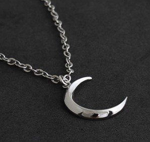 Free Shipping gift Bags Wholesale Crystal fashion jewelry gothic Turandot s month the crescent moon necklace
