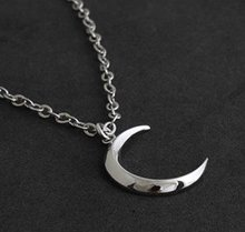 Free Shipping Bags Wholesale Crystal Rhine stone fashion jewelry Turandot's month the crescent moon necklace Sweater chain 0023