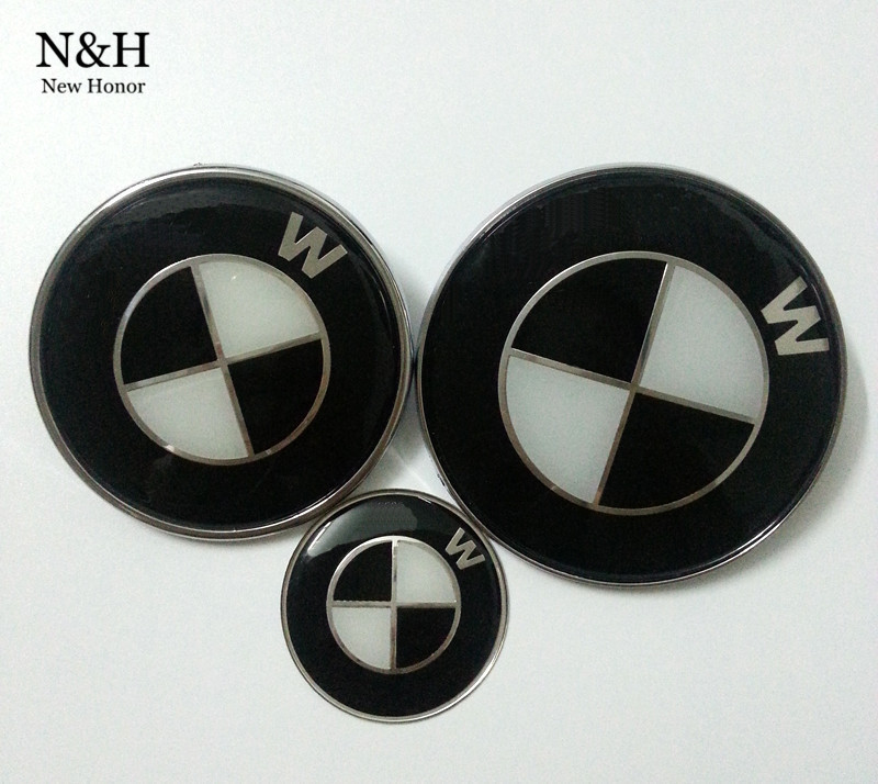 High Quality Black & White 82mm and 74mm Sticker Emblem Badge Hood Front Rear Trunk Logo 45mm car steering wheel emblems For BMW(China (Mainland))