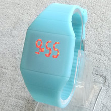 Girls Boys LED Watch Ultra thin Design jelly Woman Unisex Students Electronic Silicone Strap Fashion watch