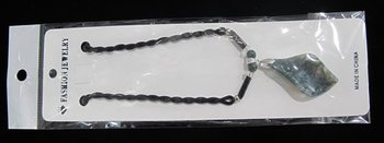 Free shipping.Necklace,gemstone necklace.fashion jewelry. Moss agate necklace with a leaf pendant 50 cm long.