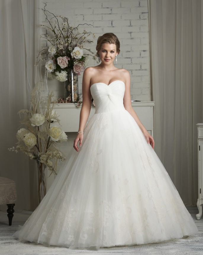 best selling 2015 white ivory tulle sweetheart wedding