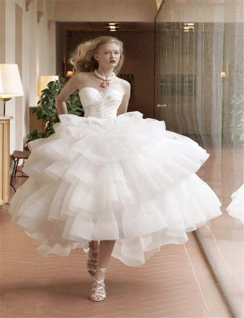 Short wedding dress 2015 sweetheart ball gown brides for Good wedding dresses for short brides