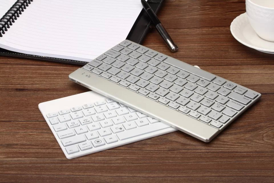 Luxury Aluminium Bluetooth Keyboard For tablet compatible with Apple Samsung Lenovo Asus Huawei Amazon Acer Microsoft Sony LG(China (Mainland))