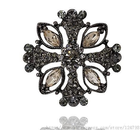 Cross brooch, elegant high-end fashion female modern wedding bridesmaid gifts personalized for everyday wear, geometric brooch