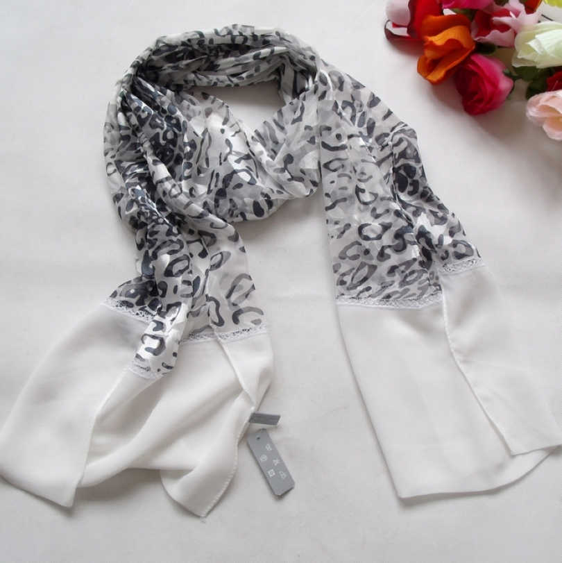Free Shipping 2014 Fashion Hot Sale Women Black White Leopard printed Long Scarf 160*50cm New Design Brand Natural Silk Scarf(China (Mainland))