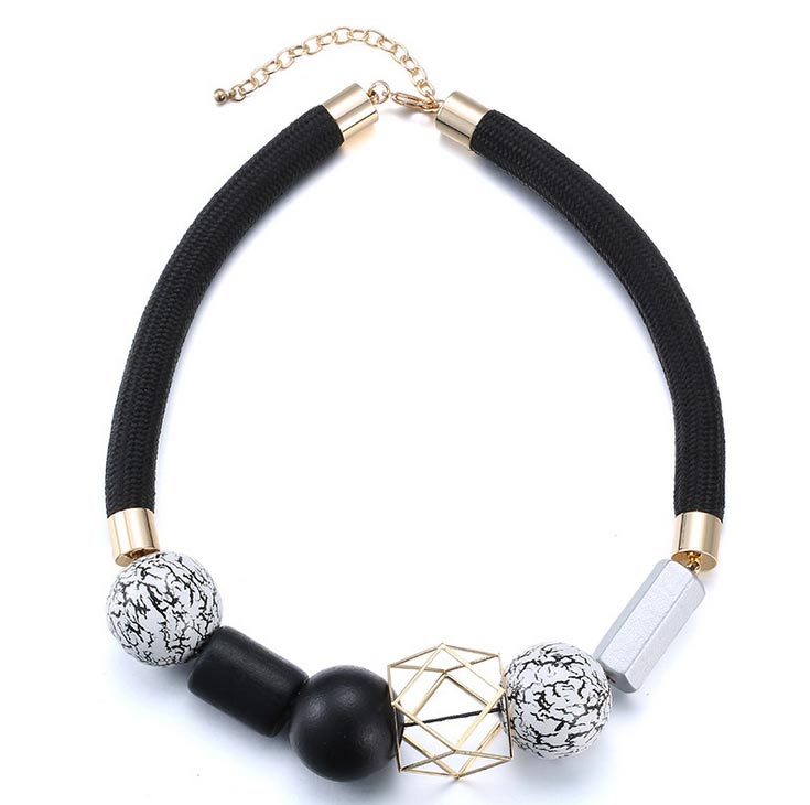 Ethnic Jewlery Black and White Beads Necklace for Women Vintage Choker Necklace Women Wood Necklaces &amp; Pendant 2015 Wholesale<br><br>Aliexpress
