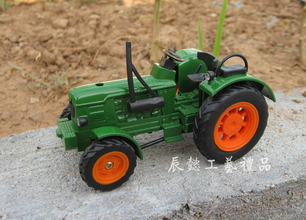 Farm tractor model tractor decoration gift nostalgic farm tractor series Agricultural machinery(China (Mainland))