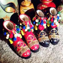 Bola colorida Del Brillo Del Invierno Botas Zapatos Lindos De Cuero Ocasional de la Mujer pisos Zapatos de Vestir 2017 de la Felpa Botas de Nieve Caliente Zapatos de la Señora zapatos(China (Mainland))