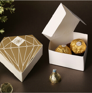 100pcs/Lot Diamond Gold Baby Shower Paper Candy Box Baby Wedding Favors Candy Boxes Christmas Wedding Gifts For Guests(China (Mainland))