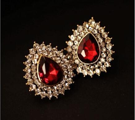 Trendy Heart Ruby Earrings For Women Nightclub Classic Stud Earrings Female Fashion Jewelry Party Metal Earrings Accessory(China (Mainland))