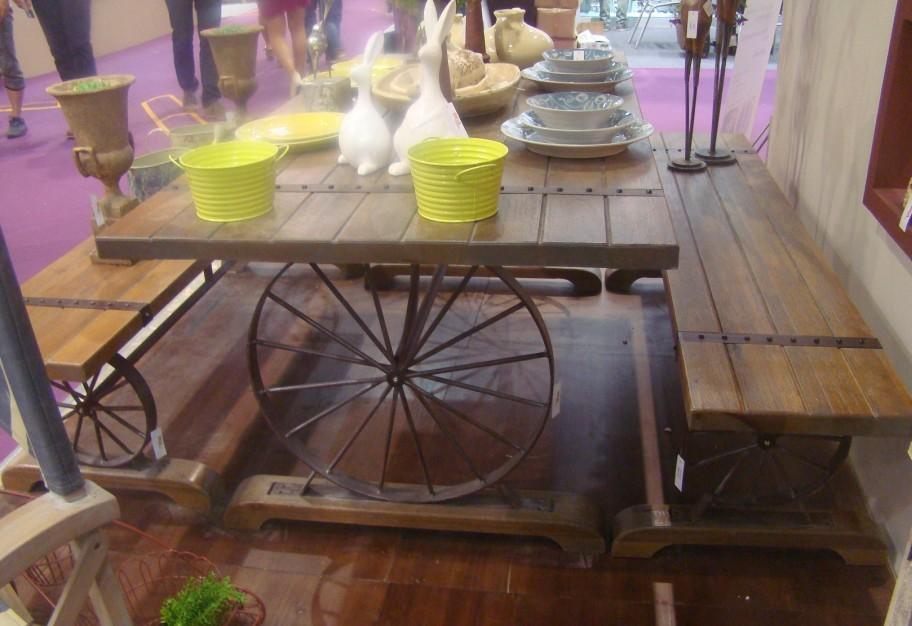 Amerikaanse vintage houten eetkamer tafels en stoelen, smeedijzeren cafe tafels en stoelen