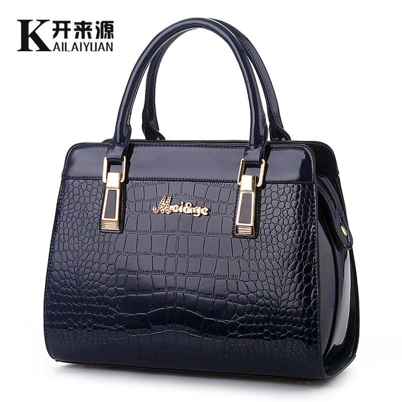 100% Genuine leather Women handbag 2016 New Light leather crocodile Fashion Shoulder Bags women messenger bags(China (Mainland))