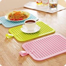 Silicone Insulation Hot Pan Heat Resistant Pad Non-slip Drain Tableware Mat Worldwide store(China (Mainland))