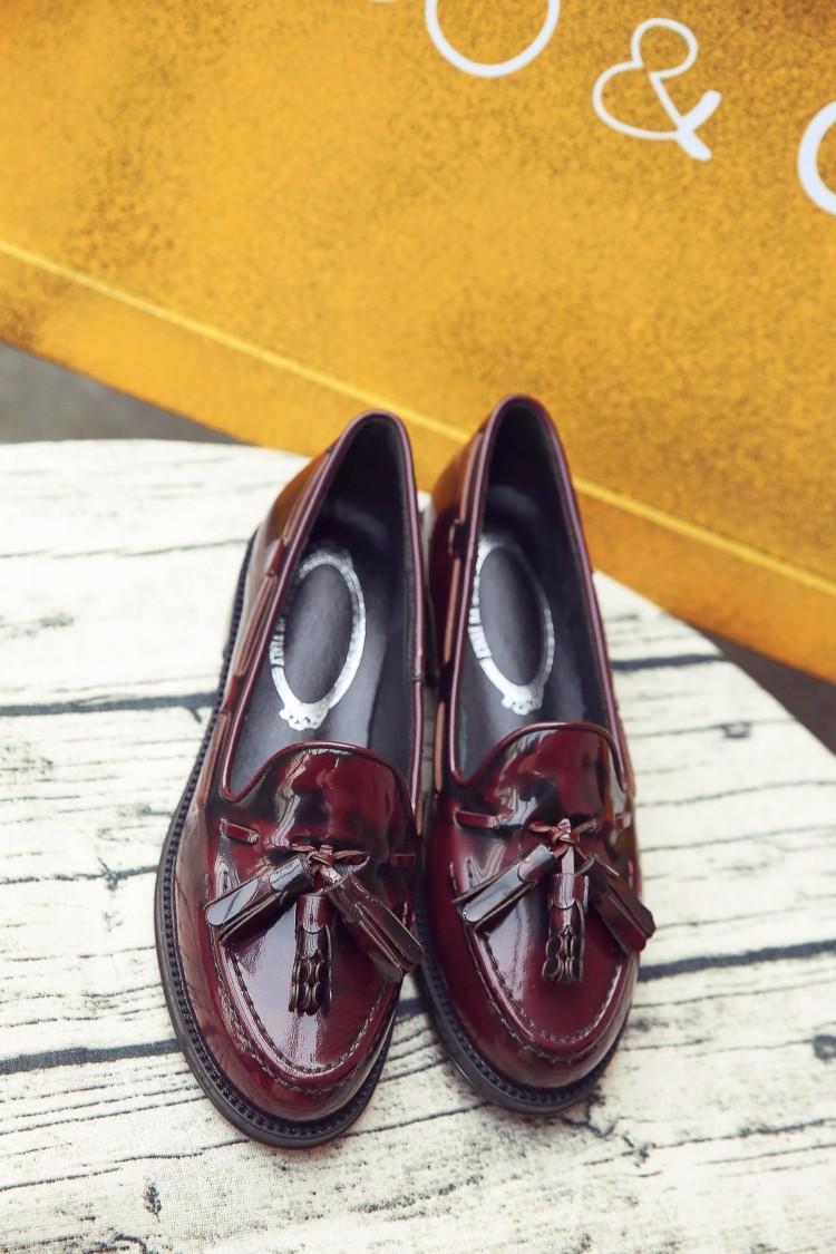 PLUS Size 33-41 Patent leather Vintage Flat Oxford Shoes Woman flats 2017 Fashion tassel Brogue Oxfords women shoes moccasins