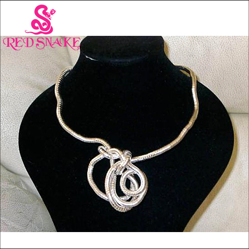Hurry! RED SNAKE Wear You Like Wear Twisted Necklace 900mm Length Bendable Snake Chain Flexible Twist Jewelry Necklaces(China (Mainland))