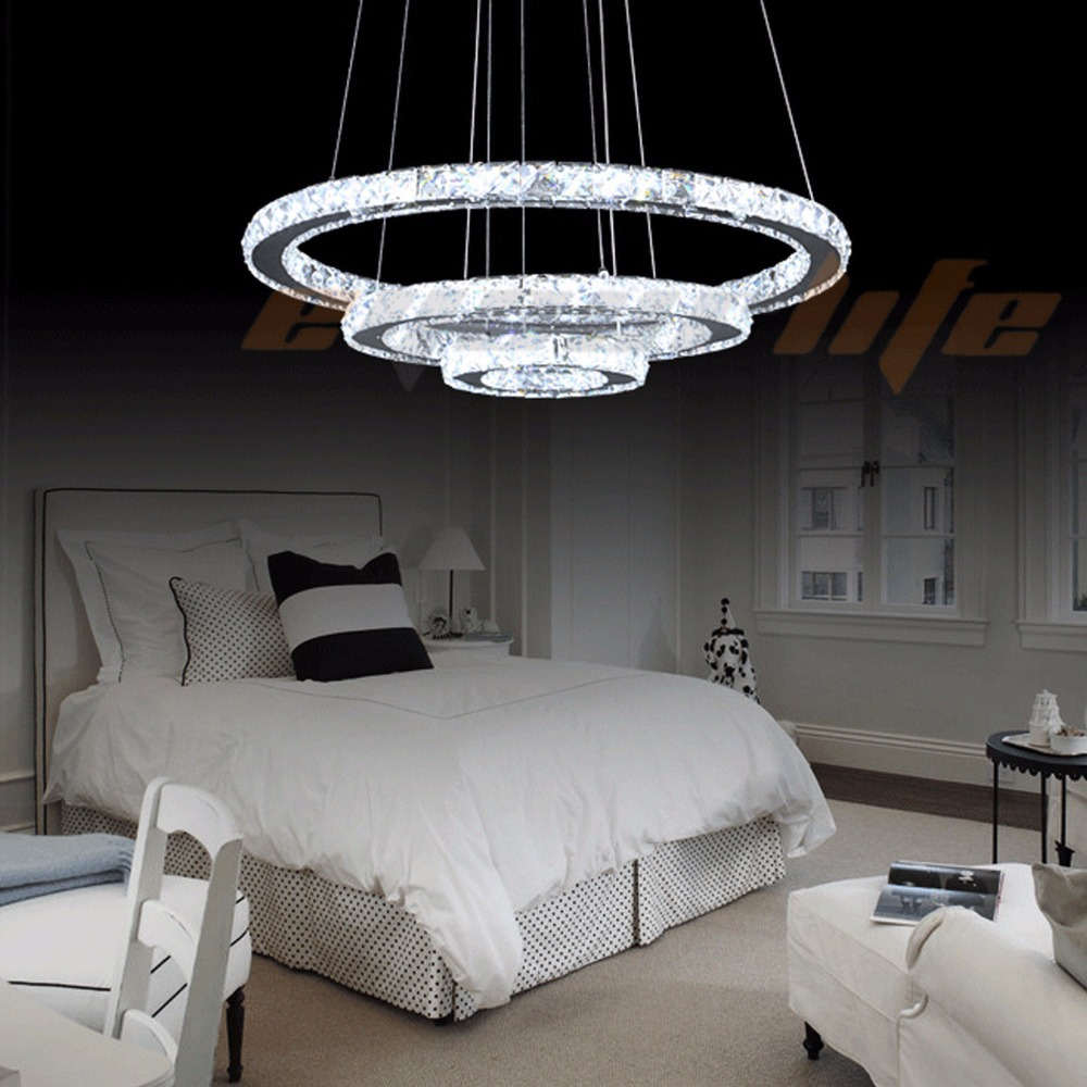 Arredamento country chic camera da letto - Lampadario da camera ...