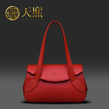 2016 New Women Cowhide Shoulder Bag Small Red Handbags Cow split leather Bride Bags Luxury Chinese style 220012