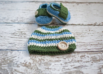 Free Shipping New Stripe Handmade Crochet Baby hat and shoe Photography Props baby hat caps boy photoshoot