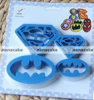 NEW ARRIVAL 1 set Spring type pressing cutting 4pcs Batman Superman mini cookie cutters family baking design biscuit cutter(China (Mainland))