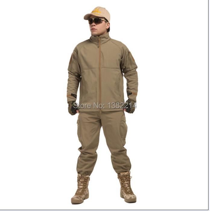 Здесь можно купить  2pcs/sets Shark skin softshell  men outdoors tactical military Camping & Hiking fleece Jackets+ uniform pants suits  2pcs/sets Shark skin softshell  men outdoors tactical military Camping & Hiking fleece Jackets+ uniform pants suits  Спорт и развлечения