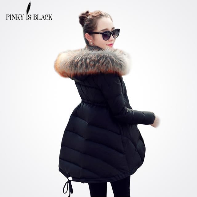 Зимняя куртка женщины 2016 Большой енота меховым воротником пуховик куртка Линии зимнее пальто женщин средней длины женской одежды