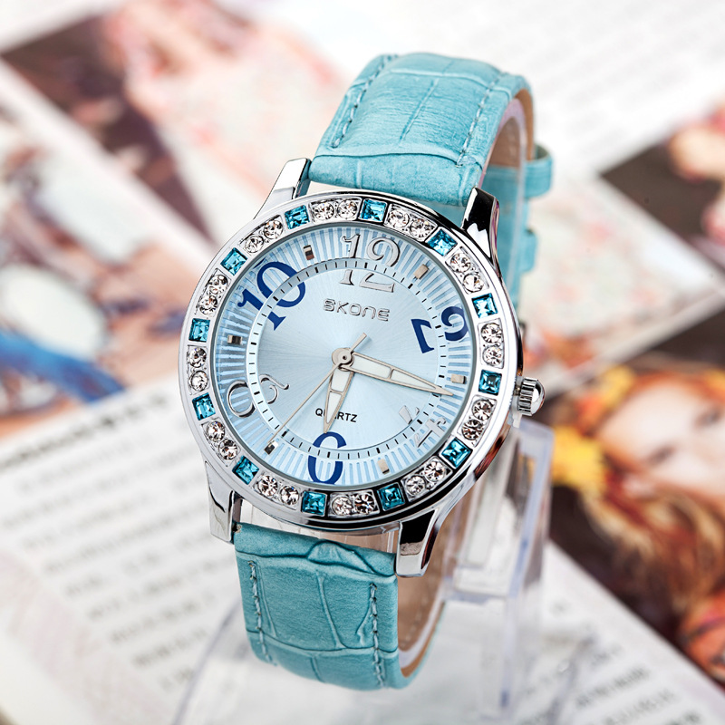 Hot! Ladies Rhinestone Watches 4 Colors Famous Brand Diamond Quartz Watch Women Fashion Casual Wristwatches Relogio Feminino S1 - Qomolangma International Co.,Ltd store