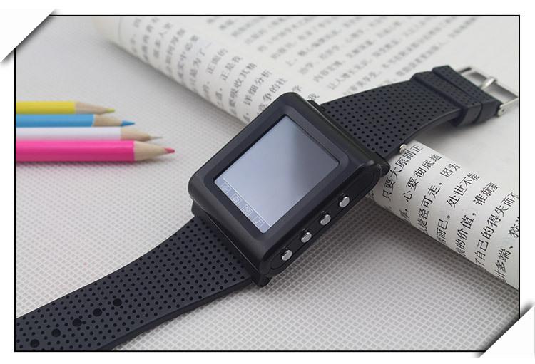 The new smart phone companion Slim Bluetooth watch watch online touch screen mini watch AK922(China (Mainland))