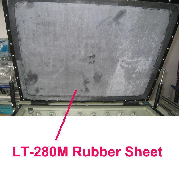LT-280M Rubber showing