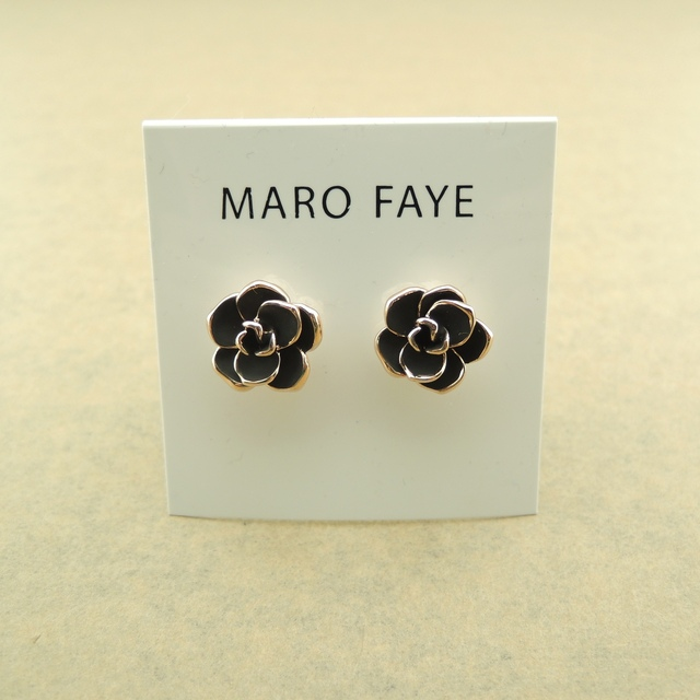 Black camellia exquisite stud earring earrings classic