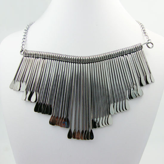 New fashion chunky metal chain tassel decorated artistic necklace inspiration from the works of masters(China (Mainland))
