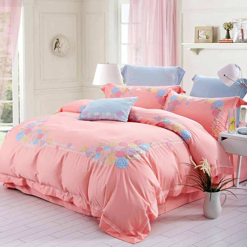 100% Egyptian cotton romantic Embroidered bedding sets king duvet Queen size Pink Floral high quality quilt cover and sheet sets(China (Mainland))