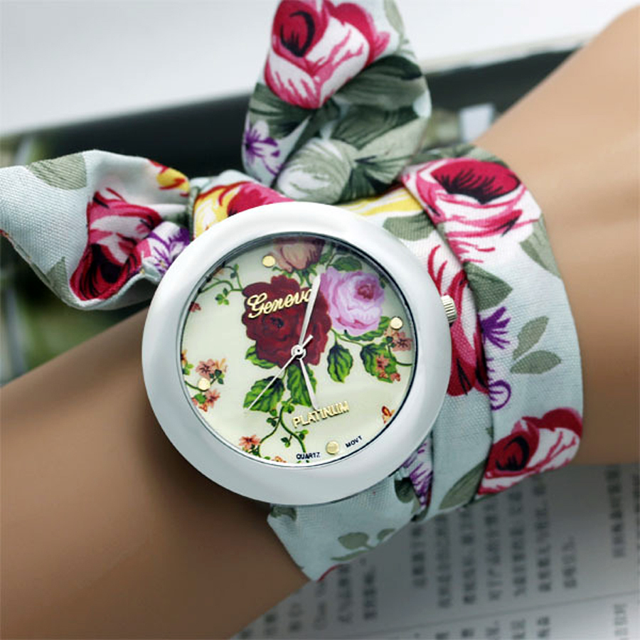 New design Ladies flower cloth wrist watch fashion women dress watch high quality fabric watch sweet girls watch(China (Mainland))