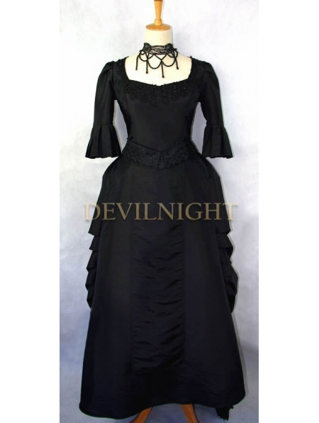 Black Victorian High-Low Gown