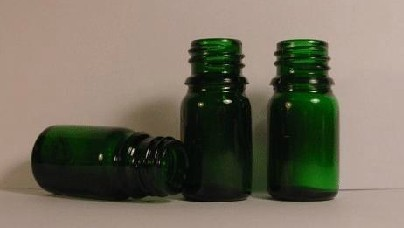 High-grade 5ml Green Glass Bottle Refillable Bottle Essential Oil Bottle Massage Bottle Perfume Glass with Stopper Wholesale(China (Mainland))