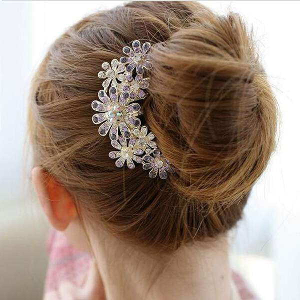 Free Shipping Crystal Spark Rhinestone Beauty Bride Petal Tuck Comb Flower Pin Hair Clip(China (Mainland))