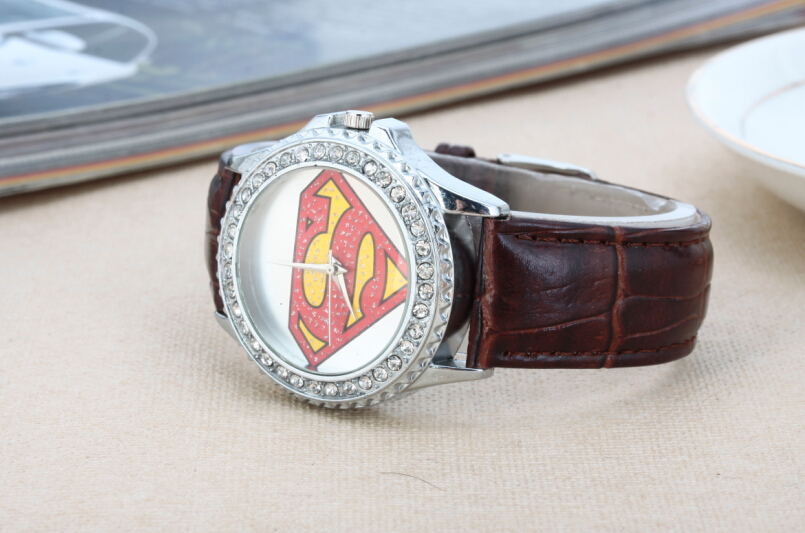 Здесь можно купить  New Fashion Superman Watch, Set with Diamonds,Sports Watches,Couple Christmas Gifts For Men and Women And Quartz Military Watch New Fashion Superman Watch, Set with Diamonds,Sports Watches,Couple Christmas Gifts For Men and Women And Quartz Military Watch Часы
