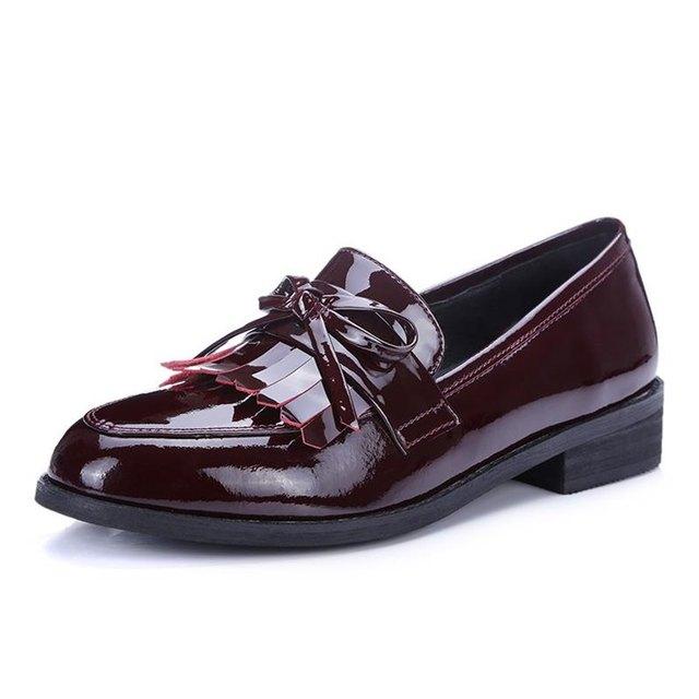 Полный из натуральной кожи вокруг пальца толстый каблук кисточка боути дизайн высокое качество низким туфли на высоком каблуке - туфли-loafers квартир женщин