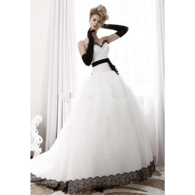 black and white ball gown dress « Bella Forte Glass Studio